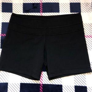 Lululemon reversible Groove shorts size 8